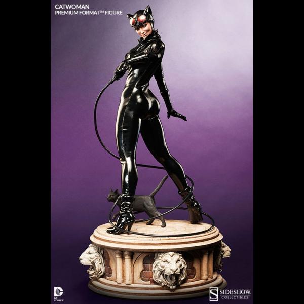 dc-comics-statuette-14-premium-format-figure-14-catwoman-58-cm